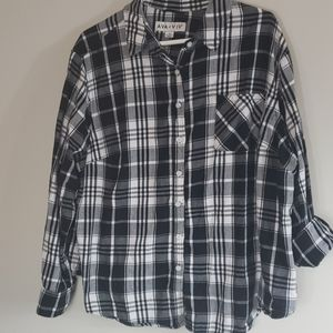 Black plaid Ava & Viv button up shirt 3x